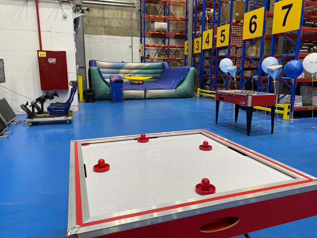 שולחן הוקי אוויר להשכרה באירוע יום הולדת