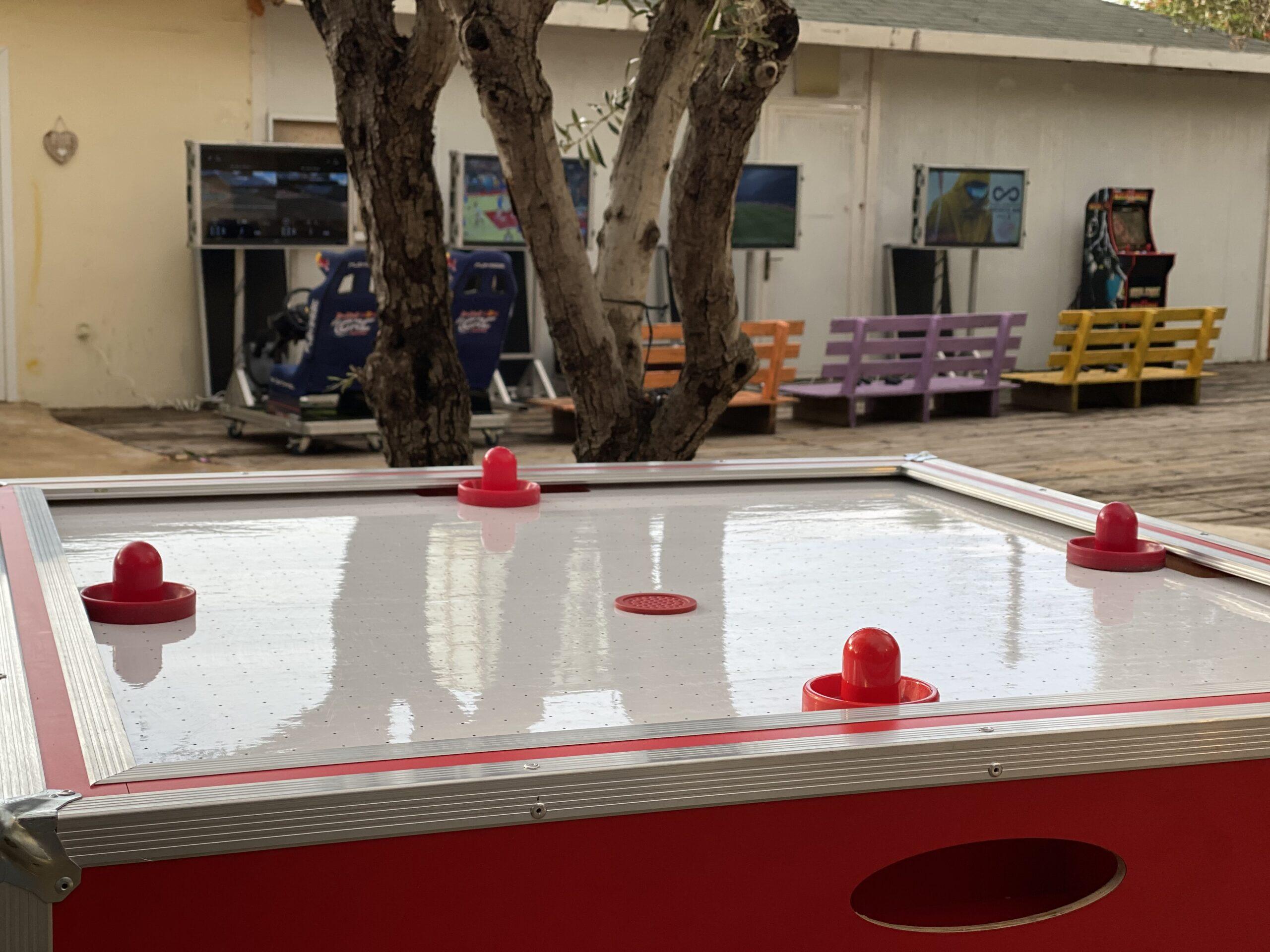 שולחן הוקי אוויר באירוע